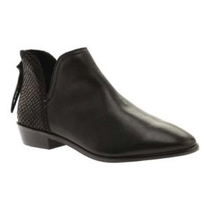Kenneth Cole Reaction | Loop There It Is Bootie